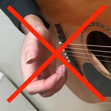 Guitar-Fingerpicking-Technique-Inefficient-Movements