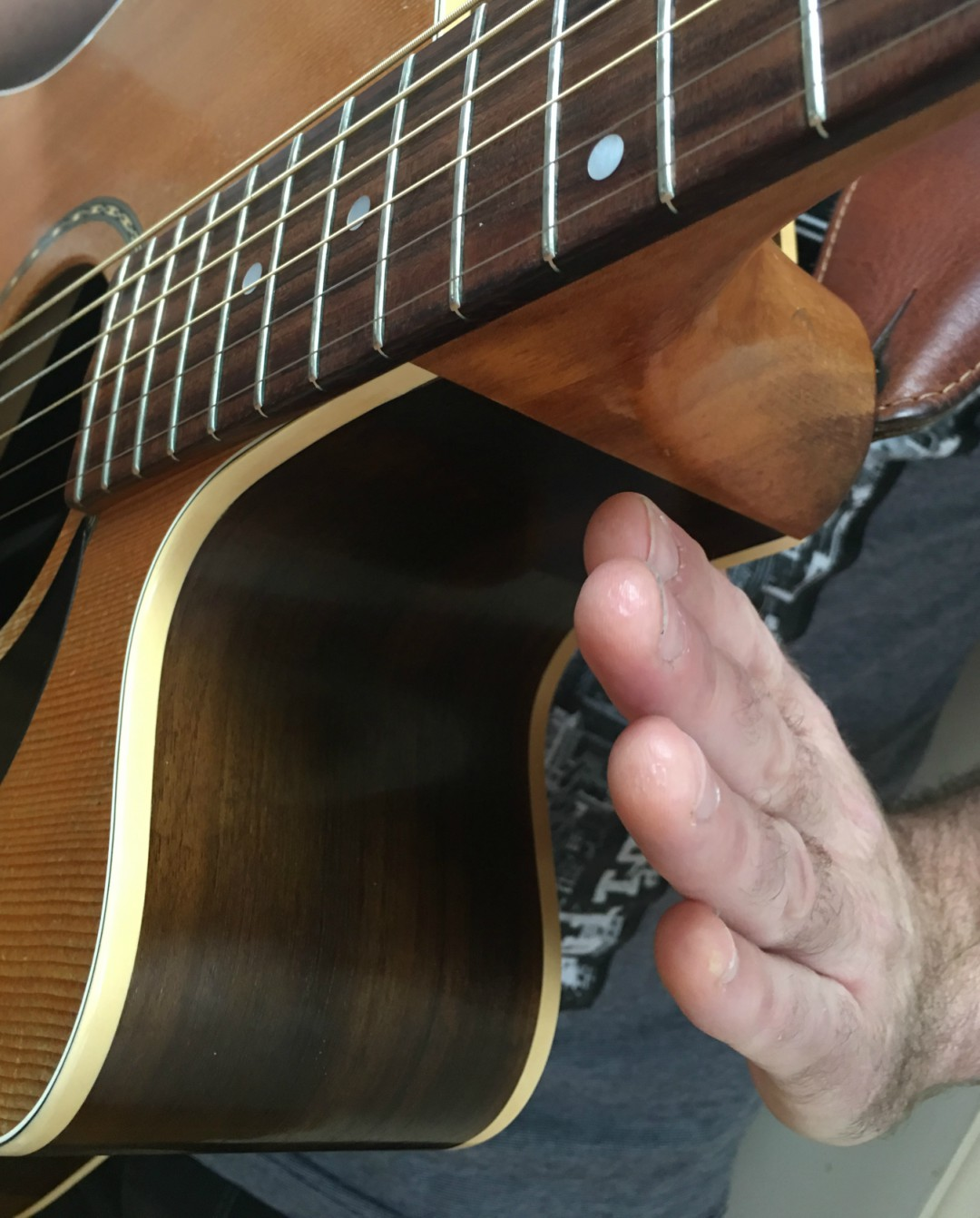 Percussive Guitar Fret Hand Hit